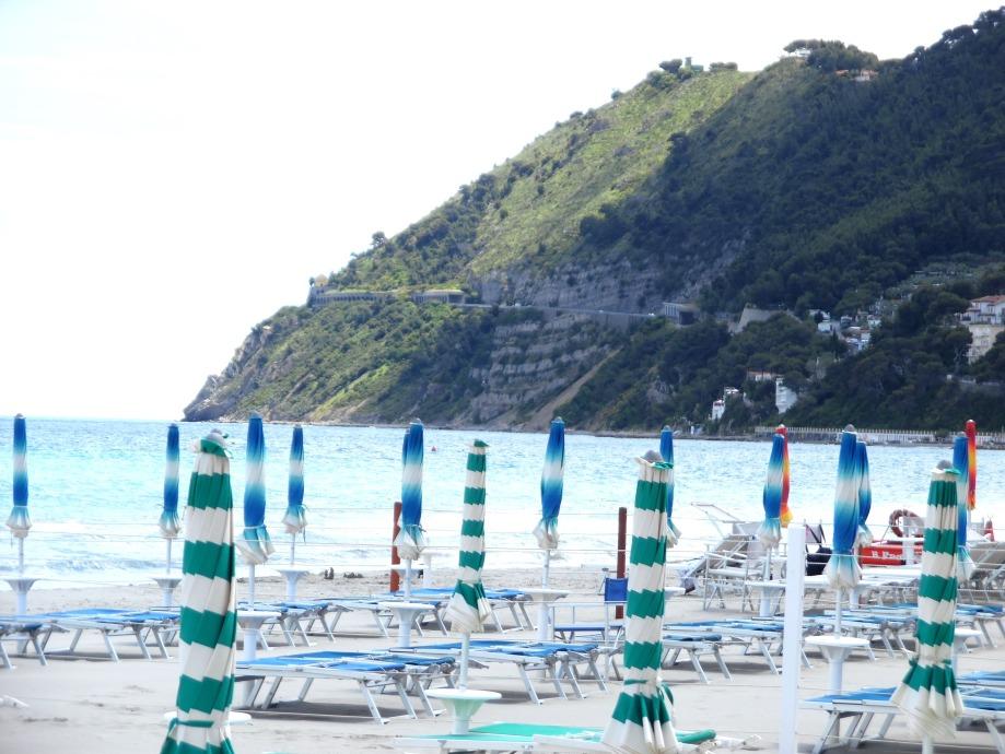 Mare-blu-verde-Laigueglia