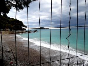 Meer-hinter-Gittern-Alassio-Nadia-Baumgart