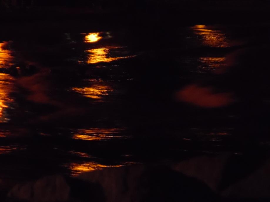 spiegelungen-meer-nachts-nadia-baumgart