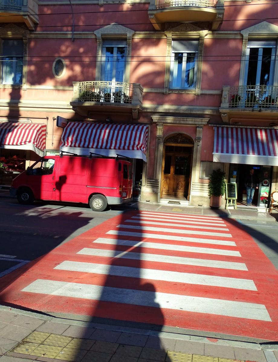Le-monde-en-rouge-Liguria-Foto-Nadia-Baumgart