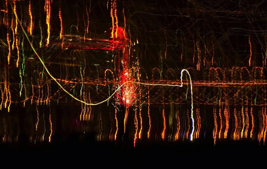 Feuerwerk-ueber-dem-Meer-Nadia-Baumgart