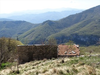 Casolare-Felice-Cascione-Cuneo