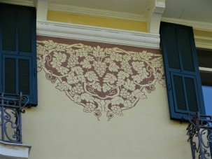 Fassade-Motive-Trauben-Foto-Nadia-Baumgart