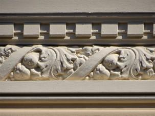 Fassade-Stuck-Girlanden-Art-Nouveau-Foto-Nadia-Baumgart