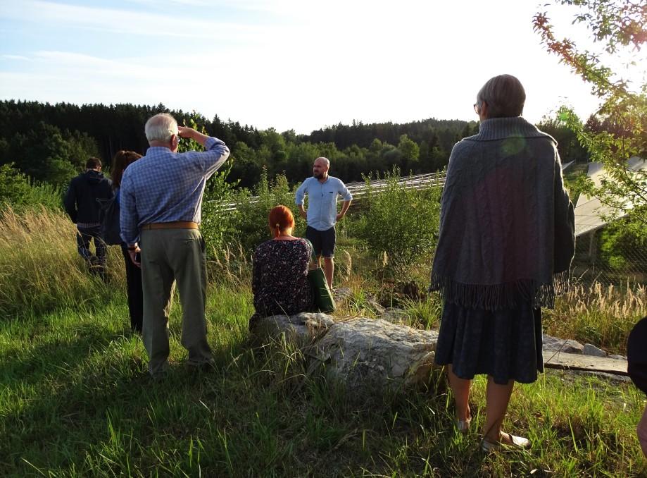 Besuch des Solarfeldes im niederbayrischen Bodenkirchen. Eine Veranstaltung der HeimatUnternehmer zwischen Isar und Inn.