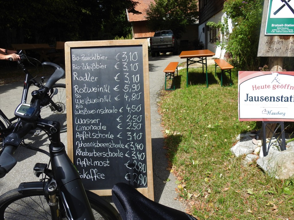 jausenstation am Hausberghof in Egglham im Rottal
