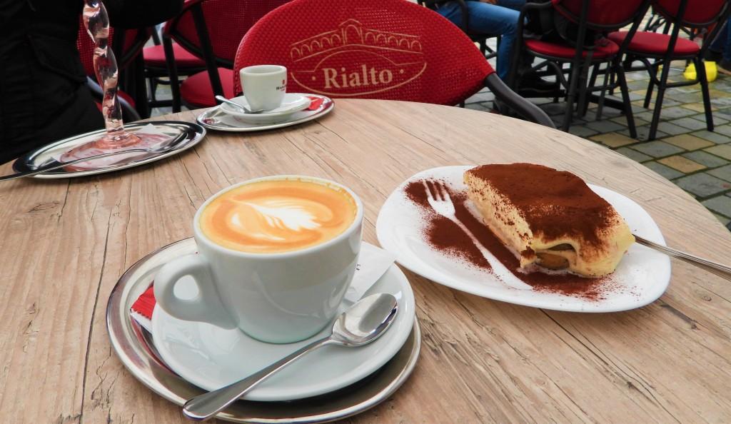 Der erste Cappuccino seit November - Lockdown Passau